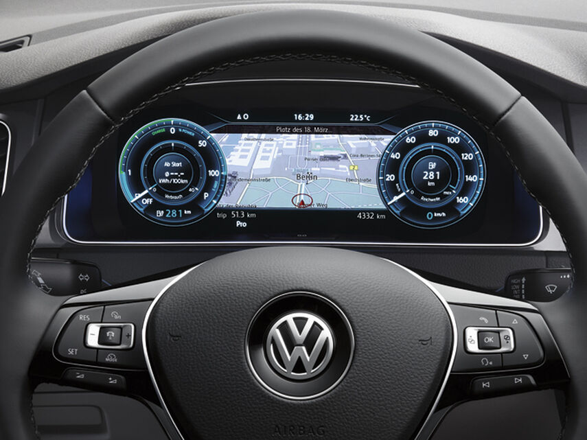 vw volkswagen e-golf active display